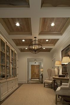 Looking for coffered ceiling design ideas and photos? Coffered ceilings, Home ideas and Ceilings Flur Design, Plafond Design, Design Design, Wood Ceilings, Coffered Ceilings, Tray Ceilings, Plank Ceiling, Recessed Ceiling, Hallway Ceiling