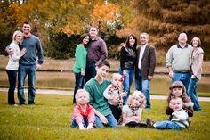 Family Reunion Photos, Large Family Photos, Awkward Family Photos, Family Picture Poses, Family Christmas Pictures, Fall Family Photos, Family Pics, Picture Ideas, Photo Ideas