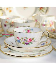 MINTON MARLOW TEA SET English China, Tea Sets Vintage, Vintage Tableware, China Tea Sets, Marlow, Vintage China, Cup And Saucer, Tea Pots, Tela