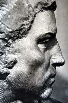 Sculpture Head, Stone Sculpture, Academic Drawing, Anatomy Sculpture, Miguel Angel, Chiaroscuro, Pictures To Draw, Ancient Art, New Art