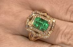 #Vision is the #art of seeing what is #invisible to others. #Muzo #Emerald by @Gem_KatFlorence High Jewelry, I Love Jewelry, Women Jewelry, Antique Jewelry, Vintage Jewelry, Simple Rings, Dimonds, Colombian Emeralds, Expensive Jewelry