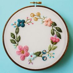Cinder & Honey is the brain child of Caitlin Benson, a Vancouver-based artist and embroiderer. Much of her work involves flowers—love!