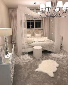 White canopy bedroom - Schlafzimmer - Your HairStyle Canopy Bedroom, Room Ideas Bedroom, Home Bedroom, Bed Room, Canopy Beds, Bedroom Interiors, Bedroom Sets, Master Bedroom, Girl Bedroom Designs