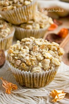 Banana Muffins with Streusel Topping