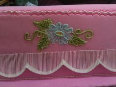 Brush Embroidary and stringwork - Intermediate Course - Hettie Jordaan Cake Decorating Courses, Celebration Cakes, Create