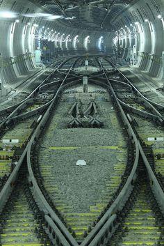 Train tracks nice tube SEPTA needs tubes like this Level Design, Tokyo Subway, Train Tunnel, U Bahn, Metro Station, Train Layouts, Train Tracks, Train Station, Model Trains