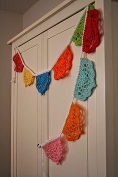 Acorn to Oak: FO Friday - Crochet Bunting Free Pattern Crochet Bunting Free Pattern, Crochet Garland, Crochet Motif, Crochet Doilies, Crochet Flowers, Free Crochet, Knit Crochet, Crochet Patterns, Crochet Baby