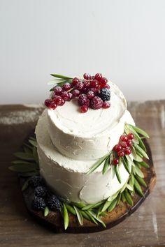 (top view) Chocolate & Vanilla Cake w/ Berries Curd