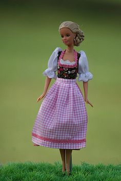 Rosi in a fresh summer Dirndl | Eva | Flickr