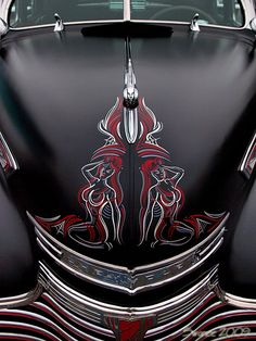 that pinstriping is freakin awesome