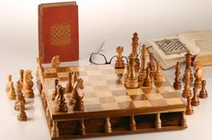 3,500 Year Old U.S. Tree Preserved in Historic Chess Set