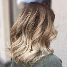 ideas hair long bob ombre hair in 2019 balayage hair, hair, hai Balayage Lob, Hair Color Balayage, Balayage Highlights, Color Highlights, Long Bob Balayage, Wavy Lob, Honey Balayage, Bayalage Color, Blonde Caramel Highlights