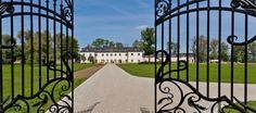 Castle and Palace 2 Day Tour - Studniska Horse Centrum Visit Poland, Day Tours, Palace, Sidewalk, Castle, Horses, Activities, History, Country