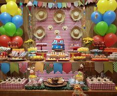 Decoração Festa Junina 60 Ideias Incríveis para se Inspirar Farm Birthday, Happy Birthday, Birthday Cake, Mexican Birthday Parties, Party Decoration, Decorations, Baby Shower, Diy Crafts, Maya