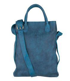 """De beroemde Shabbies Bag is uitgevoerd in de stevige leersoort """"tribe"""". Het matte gevlekte effect van het leer geeft de tas een stoere uitstraling."""