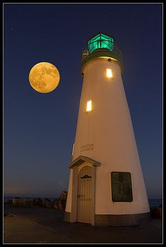 Walton Lighthouse, Santa Cruz CA. The lighthouse and the moon--- giving company to each other. Description by Pinner Mahua Roy Chowdhury. Beautiful Moon, Beautiful Places, Beautiful Pictures, Stars Night, Lighthouse Pictures, Shoot The Moon, Beacon Of Light, Belle Photo, Moonlight