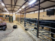 At an angle, the stalls can be divided by small wooden walls/fences. Reindeers could be in the stalls towards the back - only need to draw their upper body and cars can be in the stalls closer to the front. Horse Barn Plans, Horse Barns, Horses, Goat Barn, Farm Barn, Show Cattle Barn, Cattle Ranch, Cattle Corrals, Barn Layout