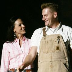 Joey Martin Feek's battle with cancer gained national attention through her husband's blog www.thislifeilive.com.