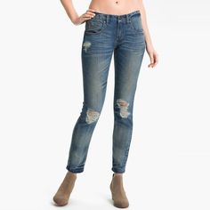 Rank & Style - Free People Destroyed Skinny Jeans #rankandstyle