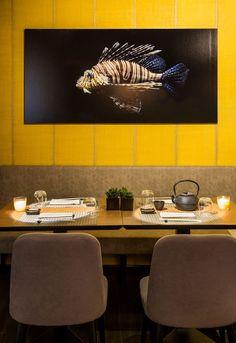 Sari By élitis, vinyl wallpaper with textile effect, nomades Collection Seafood Restaurant, Restaurant Design, Cafe Design, Interior Design, Restaurant Pictures, Sushi Restaurants, Vinyl Wallpaper, Yoshi, Kitchen