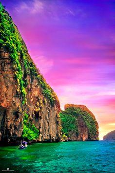 Phi Phi Island, Thailand|http://www.nusatrip.com/en/flights/to/krabi_KBV best vacation places