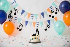 1 Year Old Birthday Party, 1st Birthday Photoshoot, Baby Boy 1st Birthday Party, 1st Birthday Cake Smash, First Birthday Parties, First Birthdays, Music Themed Cakes, Music Themed Parties, Music Party