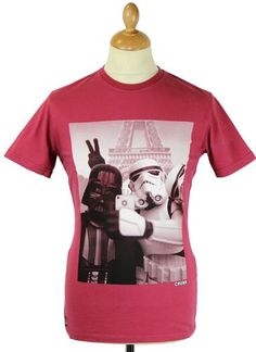 Selfie CHUNK Retro Star Wars Eiffel Tower T-Shirt. Darth Vader and Stormtrooper pals pose for a quick selfie with a Parisian landmark gracing the background.