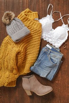 Cuddle up with the Make It Last Mustard Bubble Knit Sweater. Featuring it's plush and soft fabric, detailed v-neckline, and bubbled accents. This sweater is a must for the cooler seasons! Pair with your fave jeans and boots for the ultimate fall look. Cute Comfy Outfits, Cute Winter Outfits, Stylish Outfits, Mode Outfits, Outfits For Teens, Vintage Chic, Winter Fashion Outfits, Spring Outfits, Autumn Fashion
