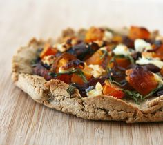 caramelized onion, butternut squash & goat cheese pizza.