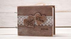 Liebevoller handarbeit gefertigt und jedes einzelne ist somit ein unikat.  Gästebuch zur Hochzeit.Handarbeit. Das gästebuch wird mit ihren persönlichen daten bedruckt. 21 cm wide x 17 cm...
