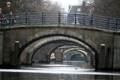 7 bridges on the canal in amsterdam