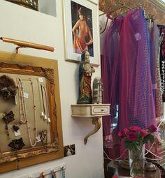 La boutique des merveilles - bijoux de @geraldinevalluetparis # voiles de mariés #bridebook - wedding #weddingplanners #mariage #bustier #patriciapetibon