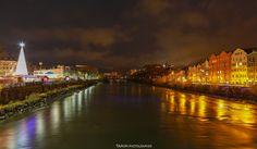 Innsbruck at night Innsbruck, Opera House, New York Skyline, Explore, Facebook, Landscape, Night, Building, Travel