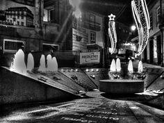 Boa tarde :DO relógio de água do Largo da Lapa em Arcps de #Valdevez  em modo preto & branco - http://ift.tt/1MZR1pw -