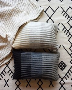 "180 Likes, 6 Comments - Brooklyn Tweed (@brooklyntweed) on Instagram: ""These modern brioche pillows by @freesiafibers fuse three tonal shades of Arbor for a sophisticated…"""