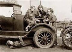 Résultats de recherche d'images pour «1920s car»