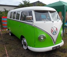 VW Bus with stunning paint job