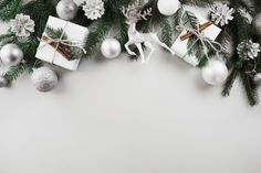 Christmas Background Photography, Merry Christmas Background, Christmas Frames, Christmas Mood, Christmas Pictures, Vintage Christmas, Christmas Wreaths, Christmas Cards, Beach Christmas