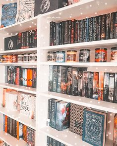 Home Library Design, Dream Library, Bookshelf Inspiration, Room Inspiration, Book Aesthetic, Aesthetic Bedroom, My New Room, My Room, Room Ideas Bedroom