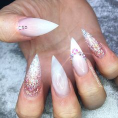 "431 Likes, 4 Comments - Elize Beauty (@elizebeauty) on Instagram: "" #nailart #elizebeauty #rosequartz #swarovski #ombre #nailstagram #nailfeature…"""