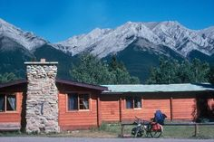 Get the best rate at HI Kananaskis Wilderness Hostel in Kananaskis Country, Alberta, between Banff and Calgary. The Province, Banff, Hostel, Calgary, Wilderness, Mount Everest, Canada, Vacation, Mountains
