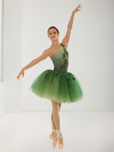 An ombré green ballet costume with sequin vines on the leotard and tutu and has… Tutu Ballet, Ballet Dancers, Dance Photos, Dance Pictures, Dance Baile, Dance Recital Costumes, Revolution Dance Costumes, Ballet Beautiful, Dance Art