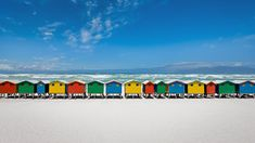 Beach huts in Muizenberg, South Africa (© Getty Images)
