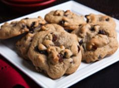 I will choose raisins over chocolate every time! Add some nuts and spices and you& got Hermits. Cookie Desserts, Cookie Recipes, Dessert Recipes, Cheesecake Cookies, Cookie Ideas, Brownie Recipes, Raisin Cookies, Lemon Cookies, Oatmeal Cookies