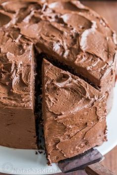 decadent and moist Chocolate Cake recipe with the easiest whipped Chocolate Frosting. Homemade chocolate cake makes for a stunning birthday cake. Ingredients For Chocolate Cake, Chocolate Cake Recipe Videos, Whipped Chocolate Frosting, Chocolate Cream Cheese, Chocolate Chip Banana Bread, Best Chocolate Cake, Homemade Chocolate, Chocolate Desserts, Chocolate Chocolate