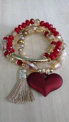 Bracelet tassel and heart Bead Jewellery, Boho Jewelry, Jewelry Crafts, Beaded Jewelry, Handmade Jewelry, Jewelry Design, Beaded Necklace, Fashion Bracelets, Bangle Bracelets