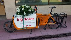 De boda...Www.urbanciclo.es - Tw: @urbancicloalba- f: Urban Ciclo - Instagram: @urbanciclo #urbanciclo #ecomensajeria  #Albacete #cargobike #bicimensajeria #bikemessengers #bullitteer #bullitt #bullittlife #messlife #bikecourier #transportesostenible cargo bike ciclologistica sostenible bicicleta de carga