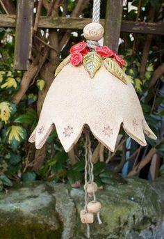 http://de.dawanda.com/product/49003882-Glocke-Gartenglocke-XXL-Gartenkeramik-Keramik