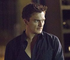 Peter Quinn and the black shirt, three buttons undone. Peter Quinn Homeland, Rupert Friend, Fresh Meat, Being In The World, My Sister, Carrie, Make Me Smile, Beautiful Men, Hot Guys
