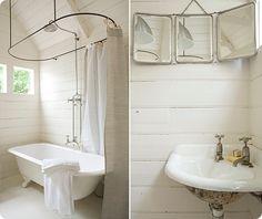tri-fold mirror & corner sink. so classic. #clawfoot, #bathroom